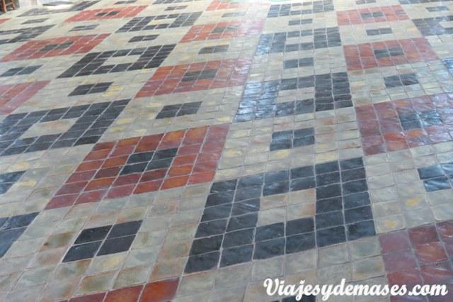 Detalle del piso de la iglesia