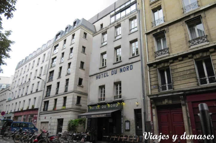 El Hotel du Nord tiene una cafetería y bar a precios razonables sólo miré la carta)