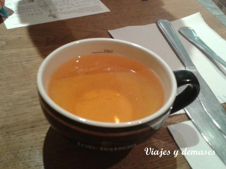 o sólo una bolé (una taza) de sidra.