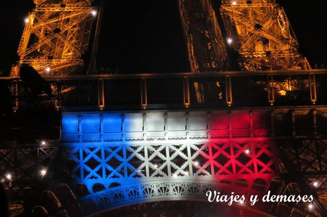 La bandera de Francia antes de comenzar.