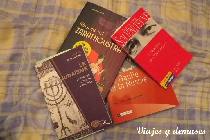 Estos fueron los libros que compré en París.