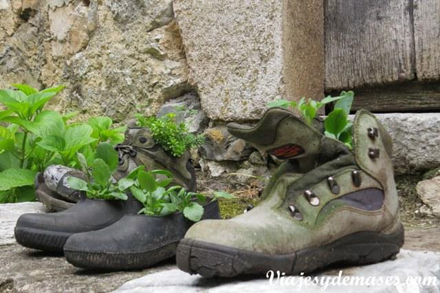Esto pasa cuando los senderistas  pierden sus zapatos...