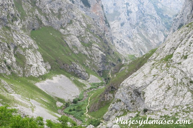 Vista del camino de subida/bajada desde Barrio del Castillo.