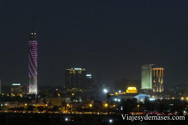 La torre se llama Cairo Tower.