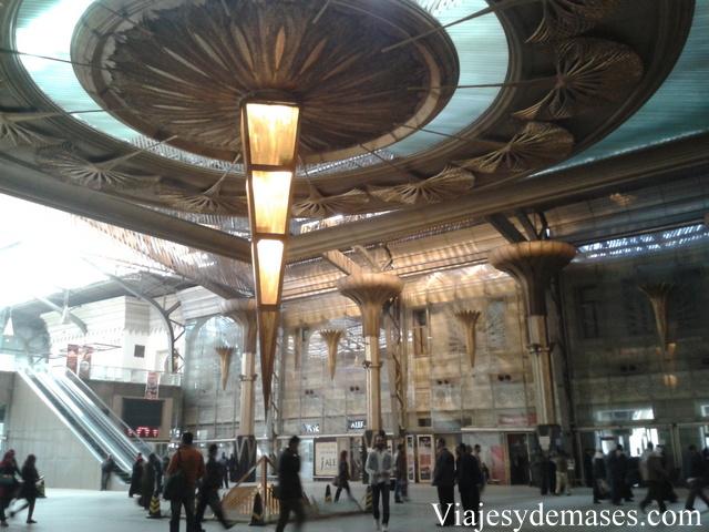 Así luce la estación de trenes en El Cairo.