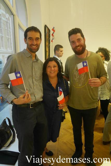 En la celebración había un compatriota que vive en Nueva Zelanda y que estaba recorriendo Rusia con el Transiberiano. No podía perderse esta celebración.