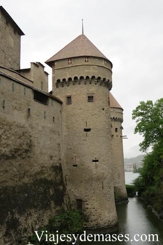 Una de las murallas exteriores del castillo.