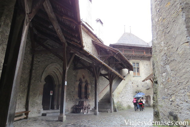 Patio interior del castillo.