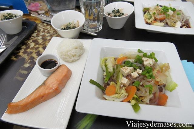 Cuando fuimos, había un ciclo de comida japonesa. Estaba ¡Exquisito!