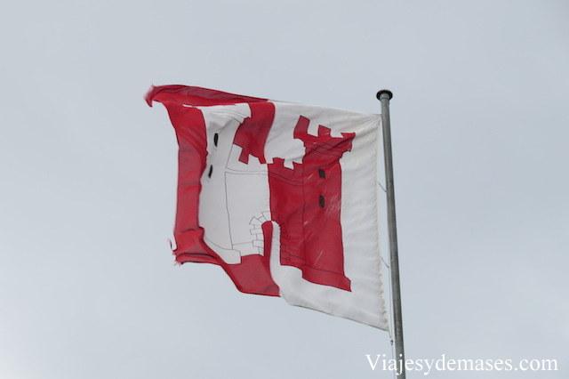 La bandera del castillo de Tour-de-Peilz.