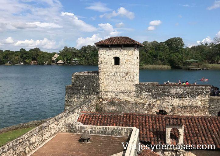 Torre del Castillo de San Felipe de Lara, Río Dulce,Guatemala
